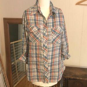 Vintage buttoned plaid shirt
